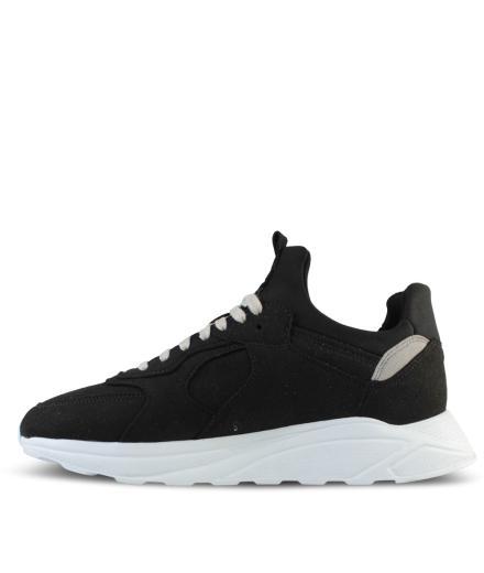 ekn footwear Larch Black Vegan