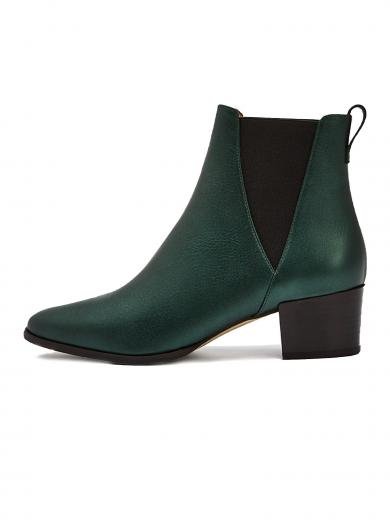 NINE TO FIVE Chelsea Boot #brygge green lights