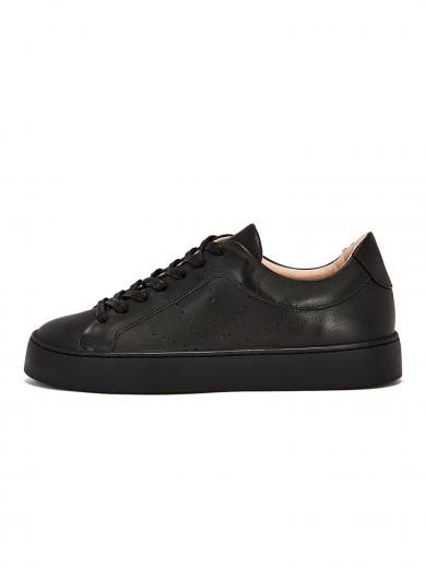 NINE TO FIVE Laced Sneaker #Gracia Black star