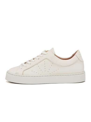 NINE TO FIVE Laced Sneaker #Gracia White star