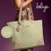 Der praktische Shopper Joy bietet viel Platz zum Beispiel für deine Einkäufe.