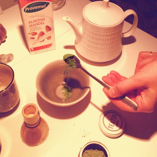 matcha pulver in Wasser auflösen glore